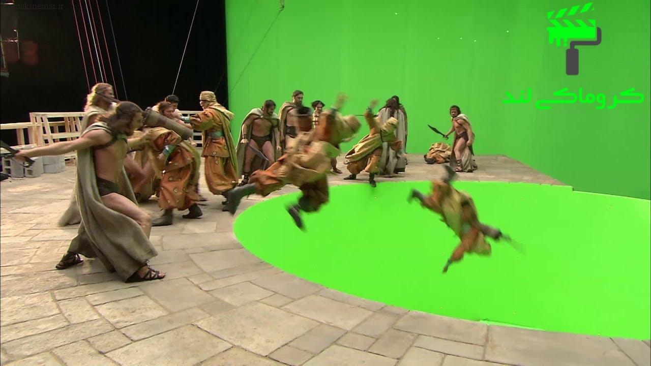 بازیگران فیلم 300 در استودیو کروماکی مشغول بازی هستند.